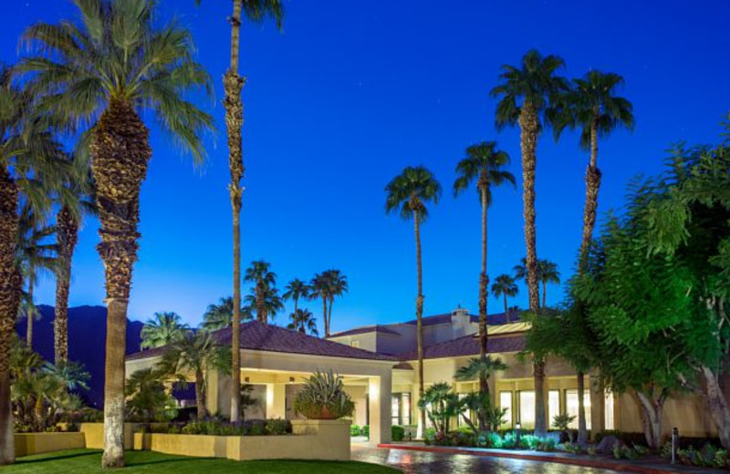 Exterior view of Courtyard Palm Springs.