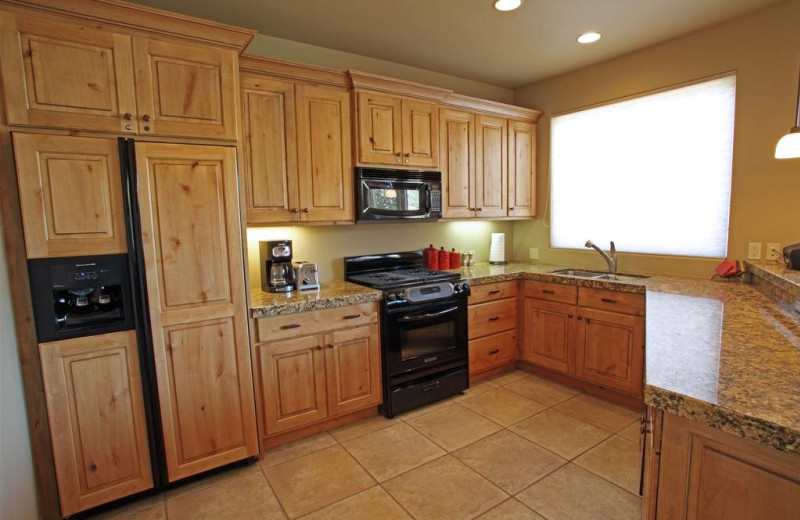 Guest kitchen at The Inn at Entrada.