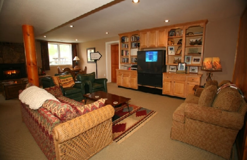 Living room at The Hideout Lodge & Guest Ranch.