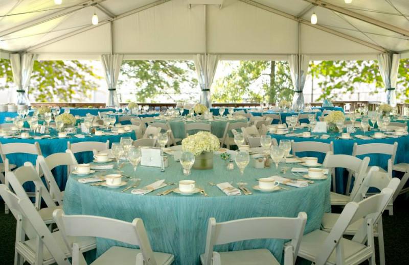 Outdoor wedding reception at Doral Arrowwood.