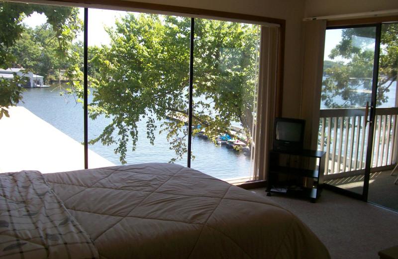 Guest bedroom at Golden Horseshoe Resort.