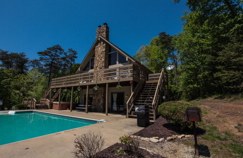 Logan Vacation Rentals - Lodge - A Large Lodge in Hocking
