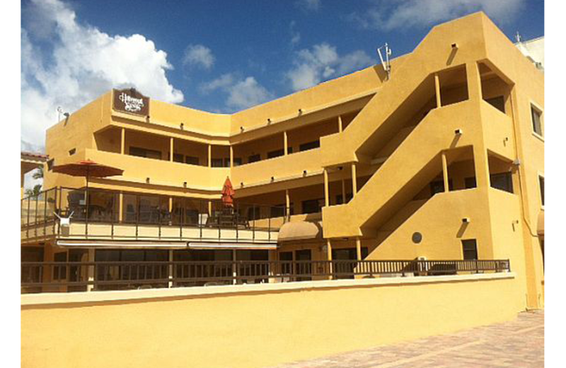 Exterior view of Hollywood Sands.