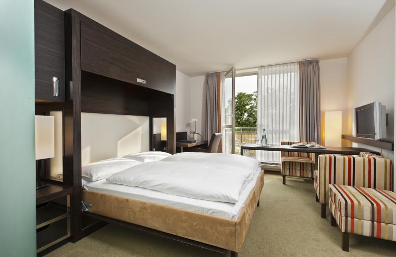 Guest room at Steigenberger Parkhotel Dresden-Radebeul.