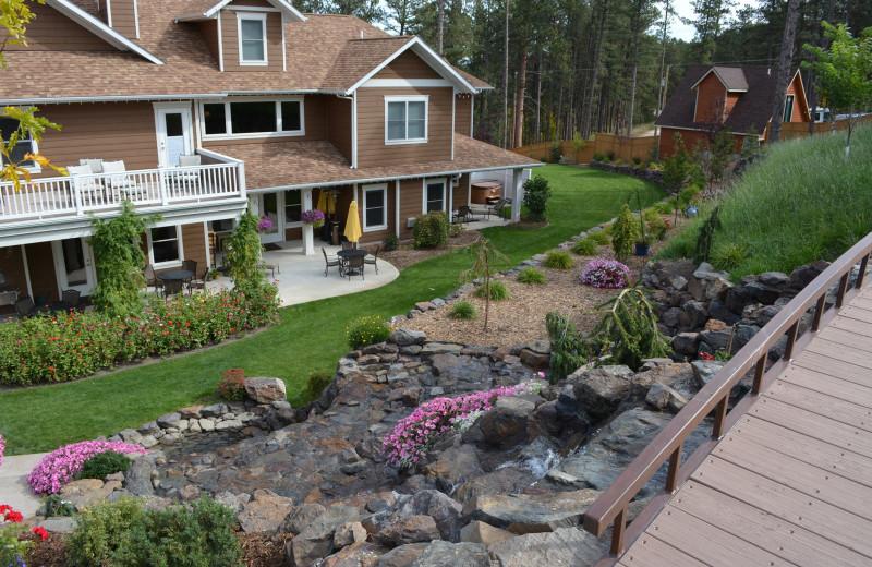 Exterior view of Summer Creek Inn & Spa.