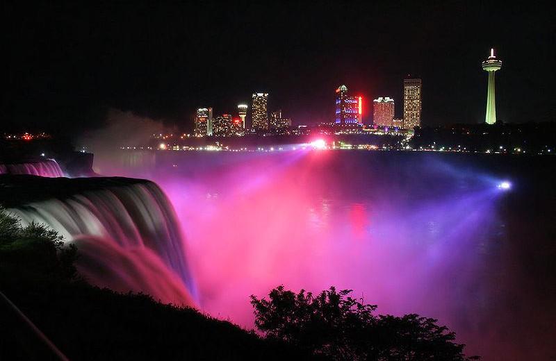 The Falls at Howard Johnson Hotel by the Falls