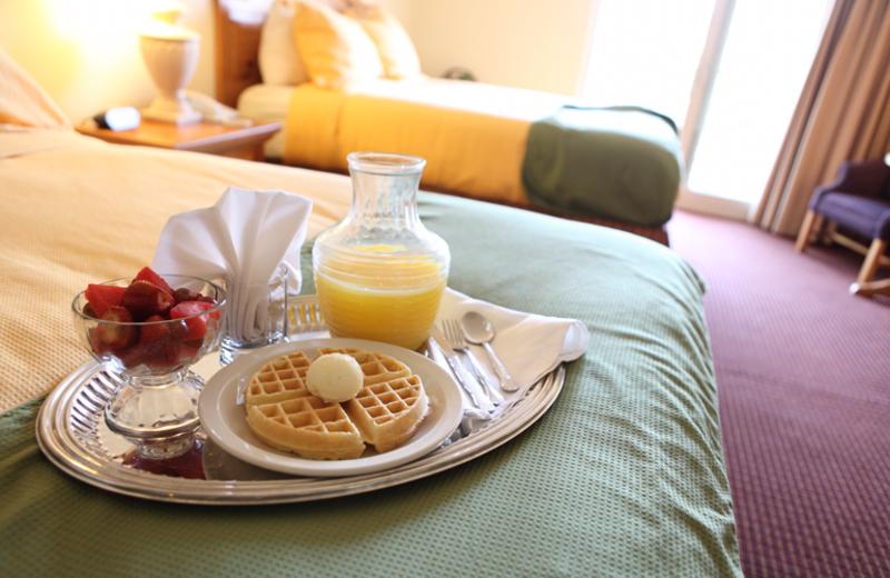 Continental breakfast at Harbor Shores.