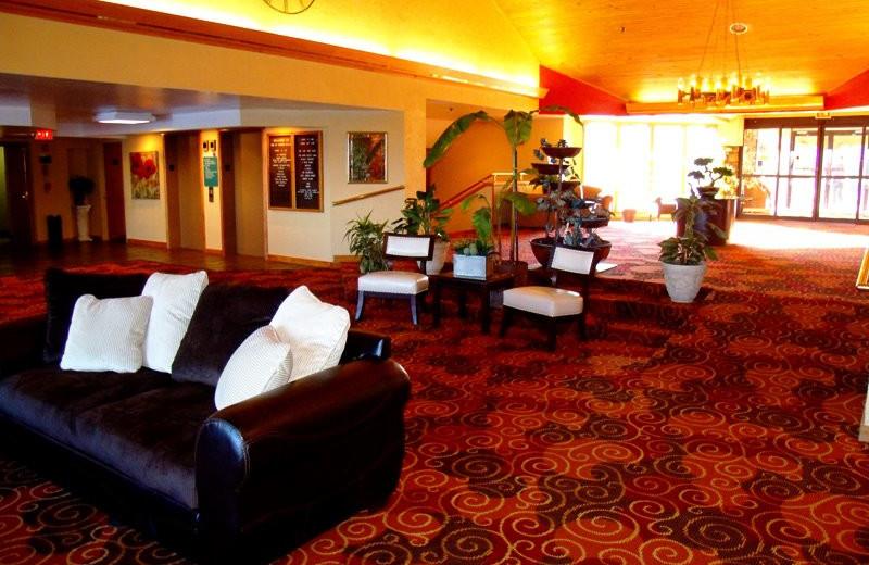 Lobby view at Inn at Grand Glaize.