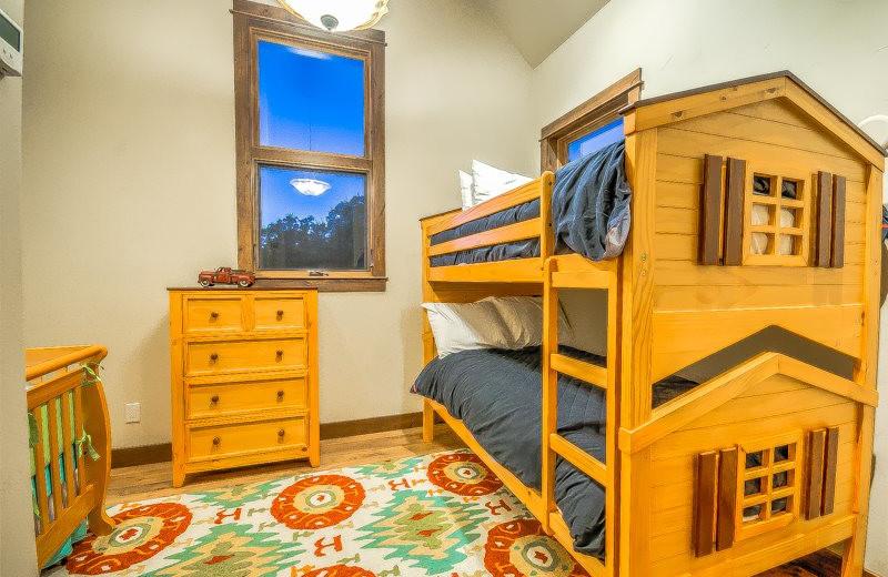Rental bunk beds at Retreatia.com.