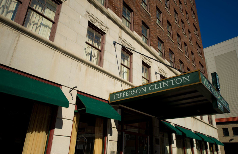 Exterior view of Jefferson Clinton Hotel.