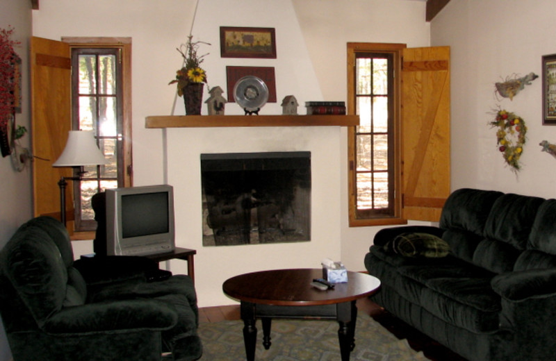 Guest living room at Mulberry Mountain Lodging & Events.
