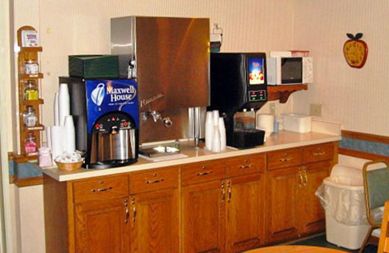 Breakfast area at Guesthouse International Inn.