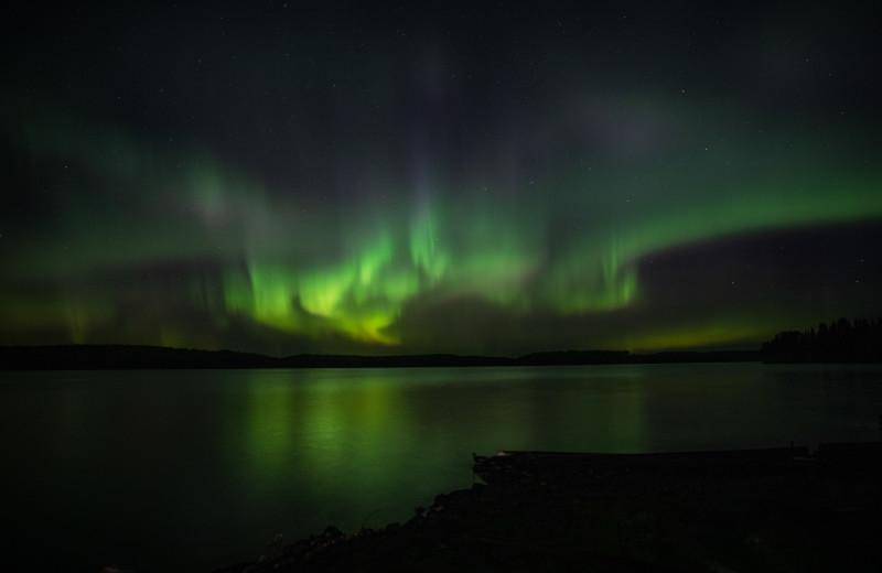 Northern lights at Pakwash Lake Camp.