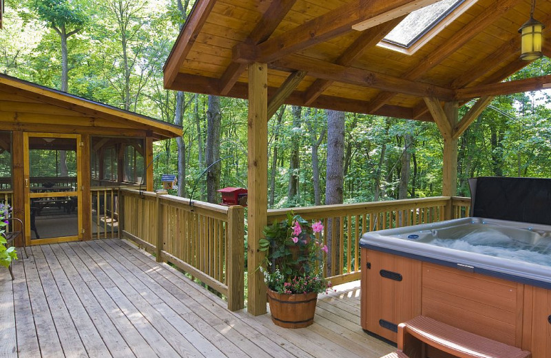 Deck and hot tub at The Lodge at Lane's End.