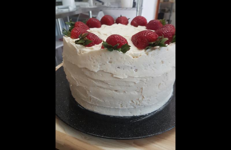 Cake at Elk Lake Wilderness Resort.