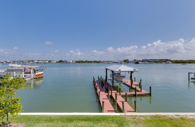 Rental fishing pier at Sun Palace Vacation Rentals.