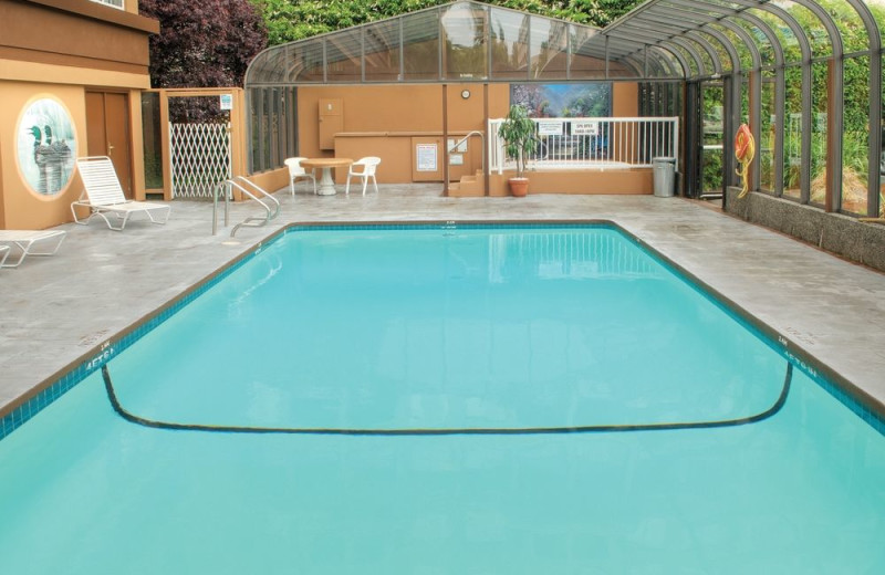 Outdoor pool at Days Inn Victoria.