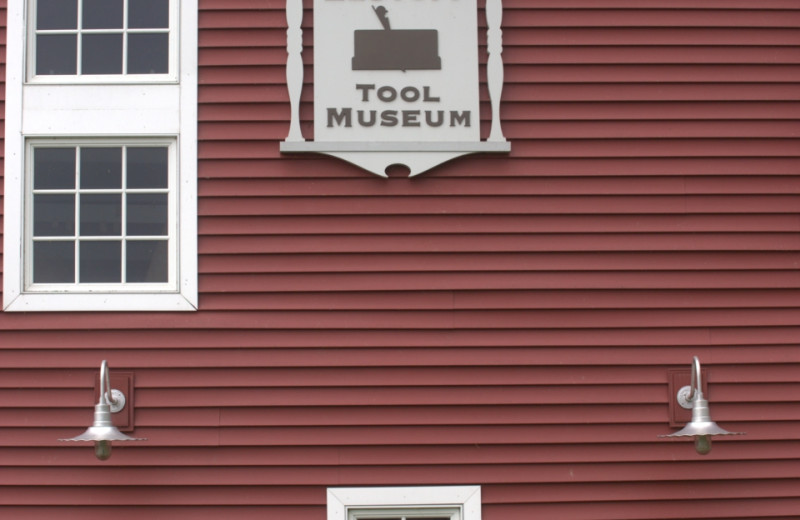 The Arnold Zlotoff Tool Museum collection includes 3,000 pieces originating from the colonial period in the Northeastern United States. The collection encompasses a vast variety of trades, industries, and applications. It was effectively the result of the passion of one man, Arnold Zlotoff.