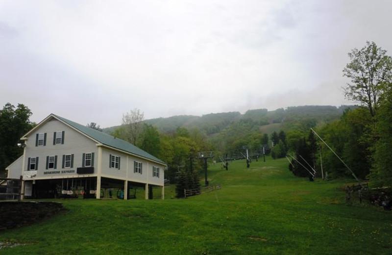 Exterior view of Jiminy Peak Mountain Resort.