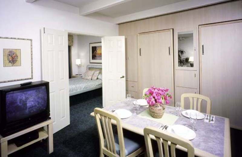 Guest room at San Clemente Inn Resort & Conference Center.