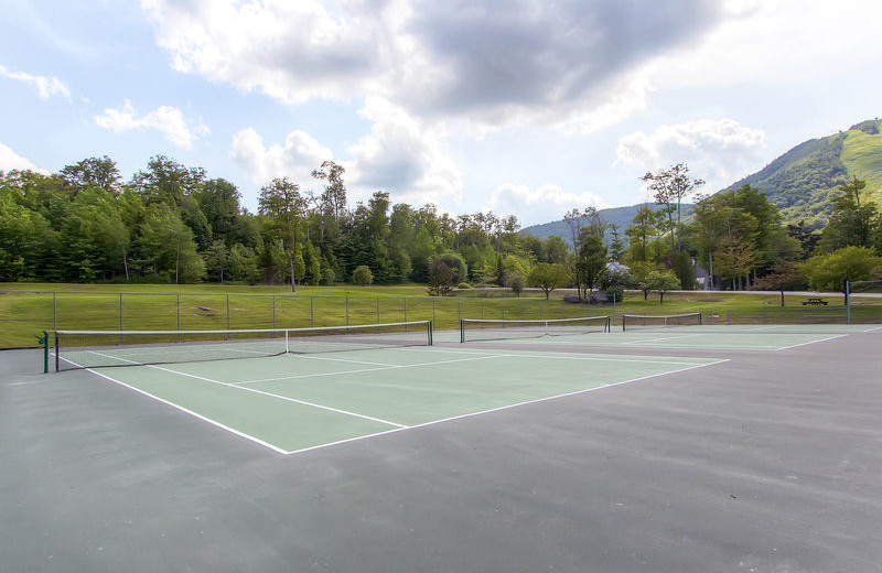 Tennis court at GetAway Vacations.