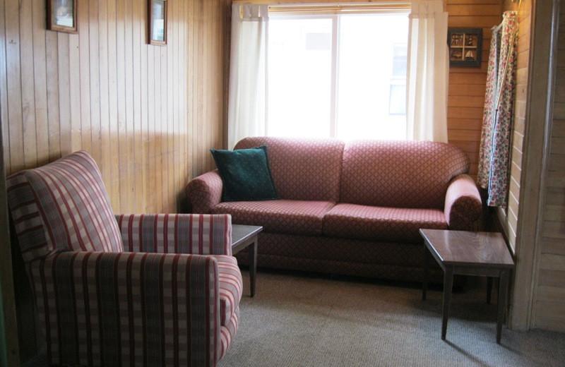 Cabin living room at Betsy Ross Resort.