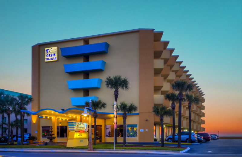 Exterior view of Fountain Beach Resort.