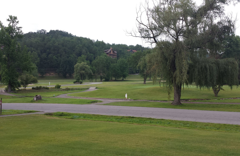 Bent Creek Golf Village near Cobbly Nob Rentals.