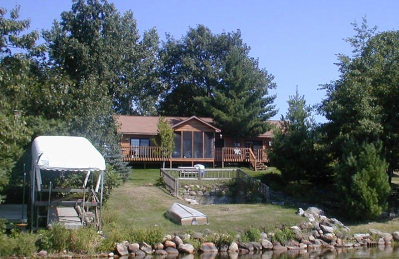 Exterior view of Birch Bay Resort Inn.
