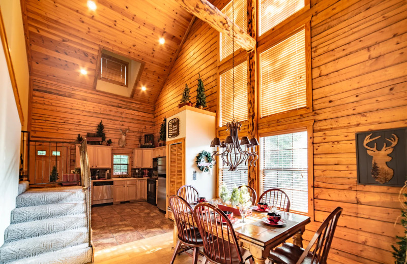 Cabin living room at Thousand Hills Vacations.