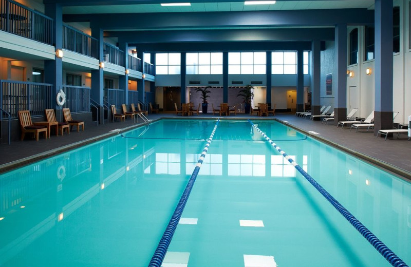 Indoor pool at Crowne Plaza Hotel - Mall of America - Airport.
