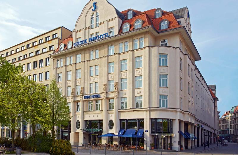 Exterior view of Seaside Park Hotel Leipzig.