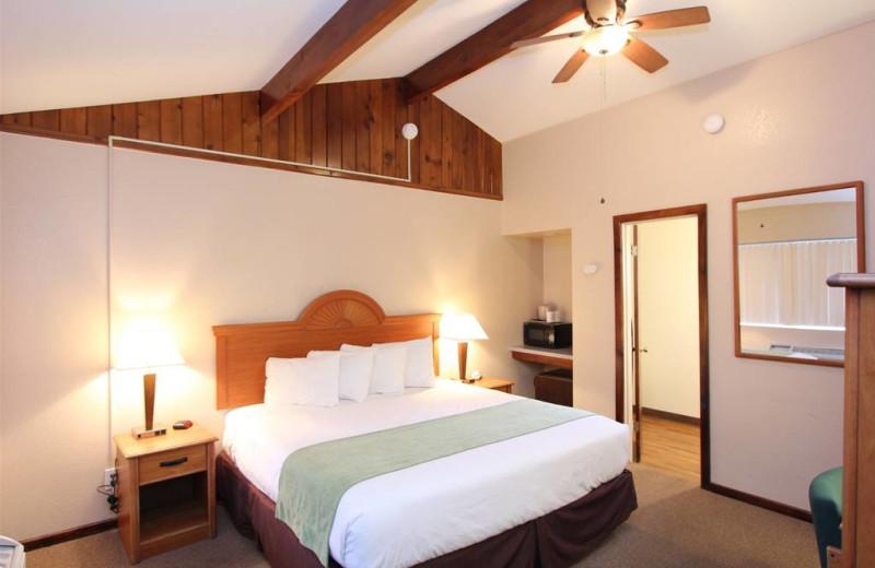 Guest room at Oakhurst Lodge.