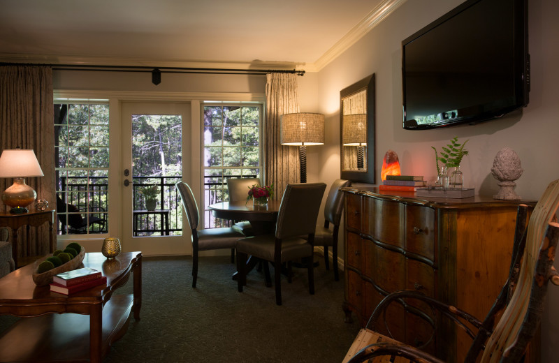 Guest room at The Lodge at Woodloch.