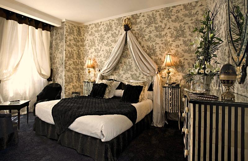 Guest room at La Galinette.