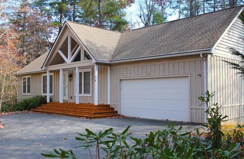 Rental exterior at Mountain Lake Rentals.
