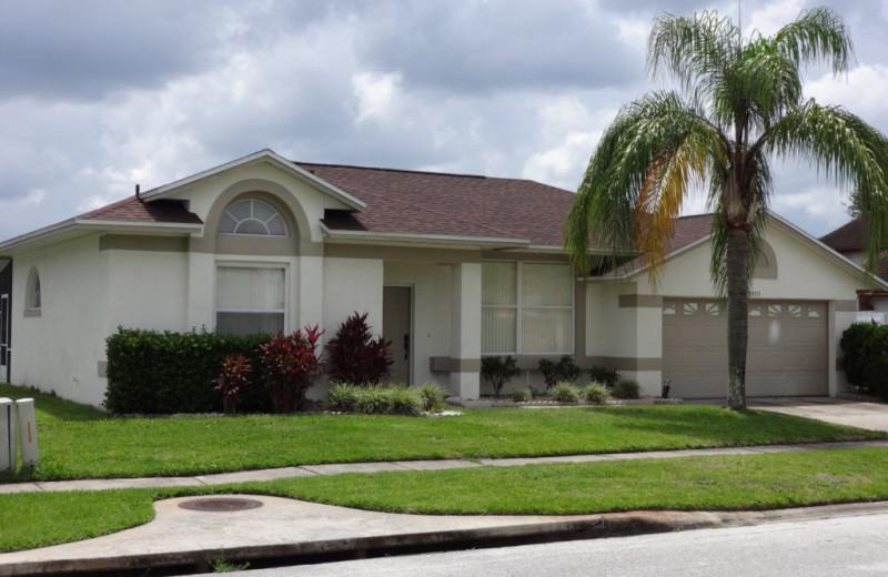Rental exterior at Orlando Sunshine Villas.