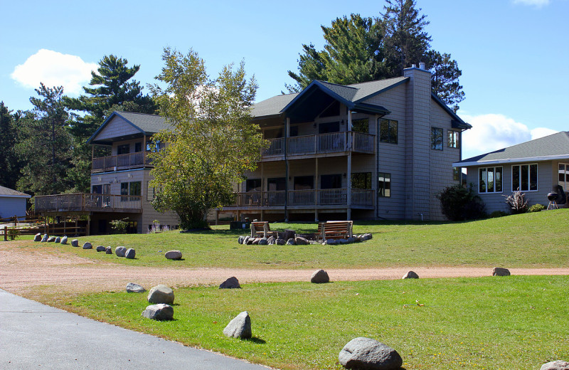 Exterior view of Nitschke's Northern Resort.