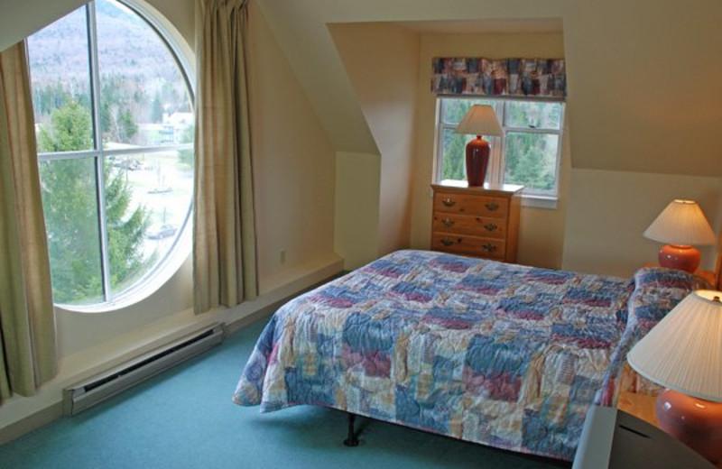 Guest bedroom at Golden Eagle Lodge.