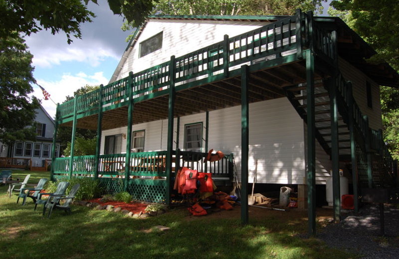 Sacandaga Lodge exterior at The Elms Waterfront Cottages.