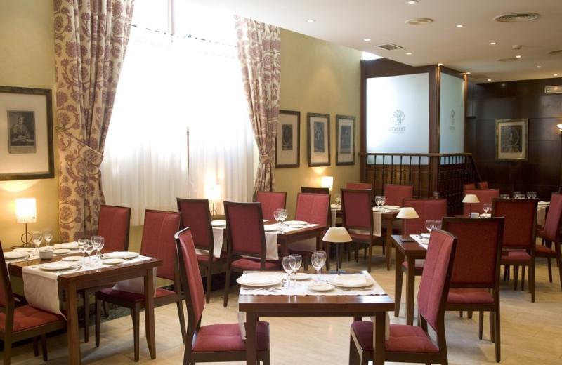 Dining at NH Palacio de Castellanos.