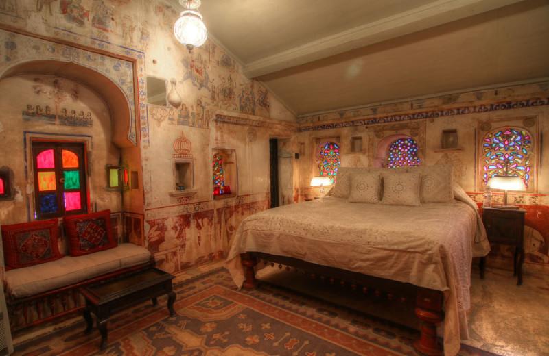 Guest room at Rawla Narlai.