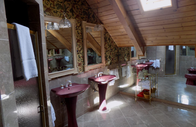 Guest bathroom at Garland Lodge and Resort.