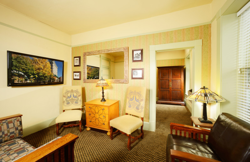 Guest suite at 1905 Basin Park Hotel.