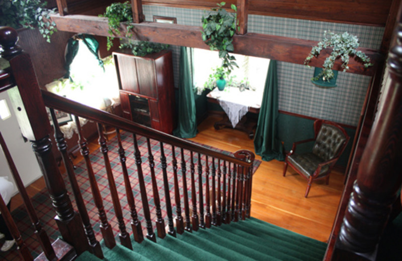 English Fox Hunt Cottage interior at The 1887 Hansen House Bed & Breakfast.