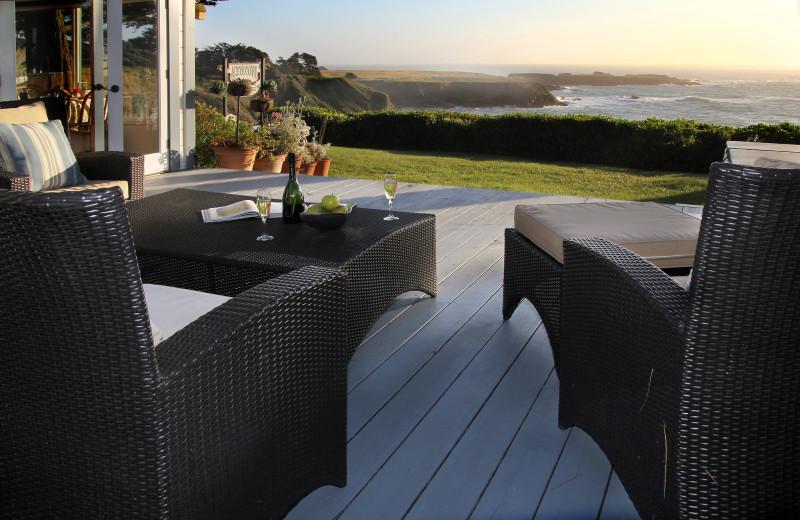 Guest patio at Agate Cove Inn.