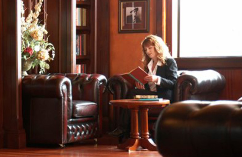 Hotel Library at The Irish Cottage Boutique Hotel