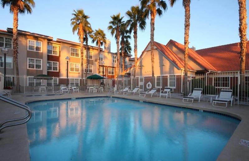 Outdoor pool at Residence Inn Phoenix Chandler/Fashion Center.
