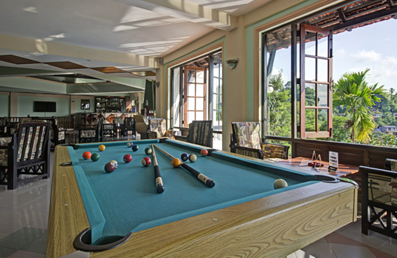 The lounge at Swiss Residence Hotel - Kandy.