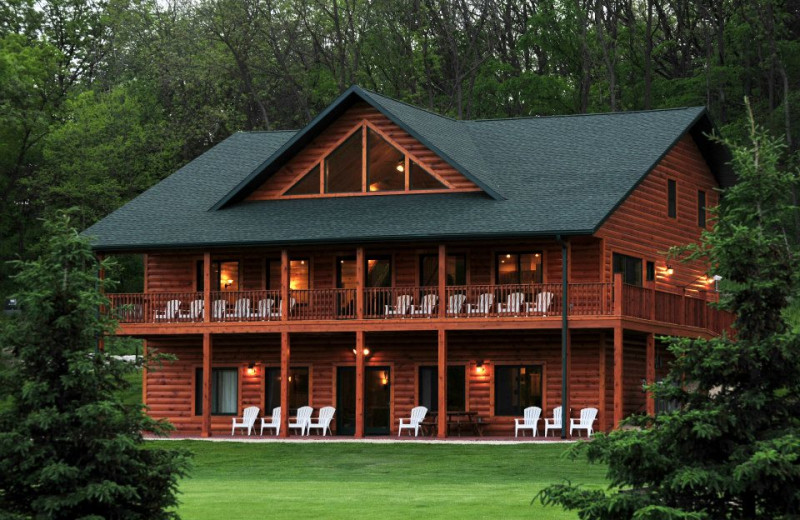 Exterior of Cedar Valley Resort.